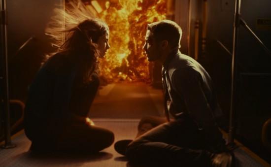 Jake Gyllenhaal og Michelle Monaghan i en af Source Codes utallige eksplosioner. Foto: UIP
