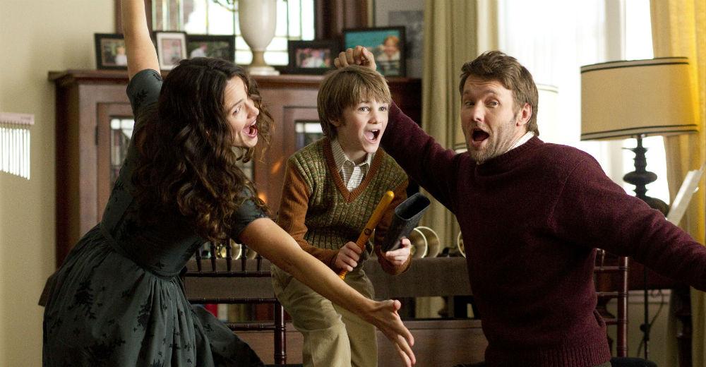 Den lykkelige familie: Cindy (Garner), Timothy (Adams) og Jim (Edgerton). Photo Courtesy of Disney Studios Motion Pictures Denmark and Sony Release.