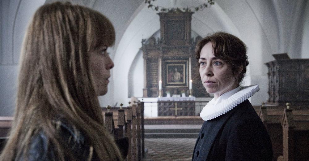 Lisbeth (Signe Egholm) og Helen (Sofie Gråbøl)