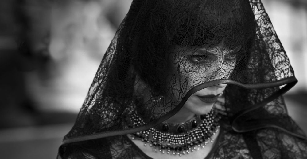 Den yderst onde stedmoder fra 'Blancanieves'. Photo Courtesy of Arcadia Motion Pictures
